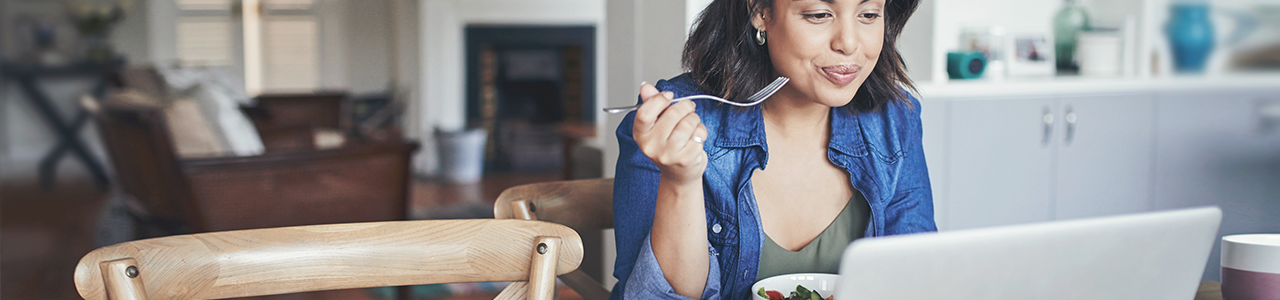 Comer en el trabajo: ¿una práctica «en pausa»?